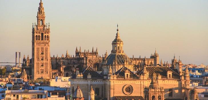 Altamira saca al mercado 43 activos terciarios de Banco Santander en Andalucía