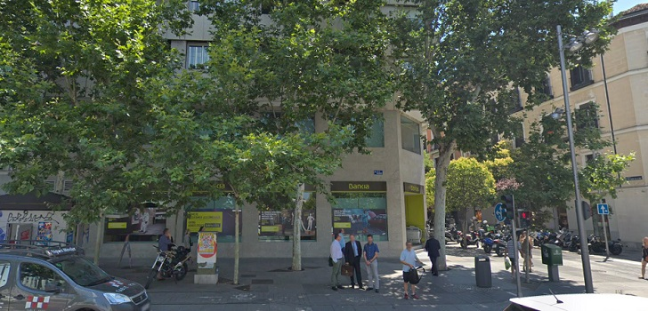 Prada, a por la última 'joya' del barrio de Salamanca: se adelanta en la puja por el local de Bankia en Serrano