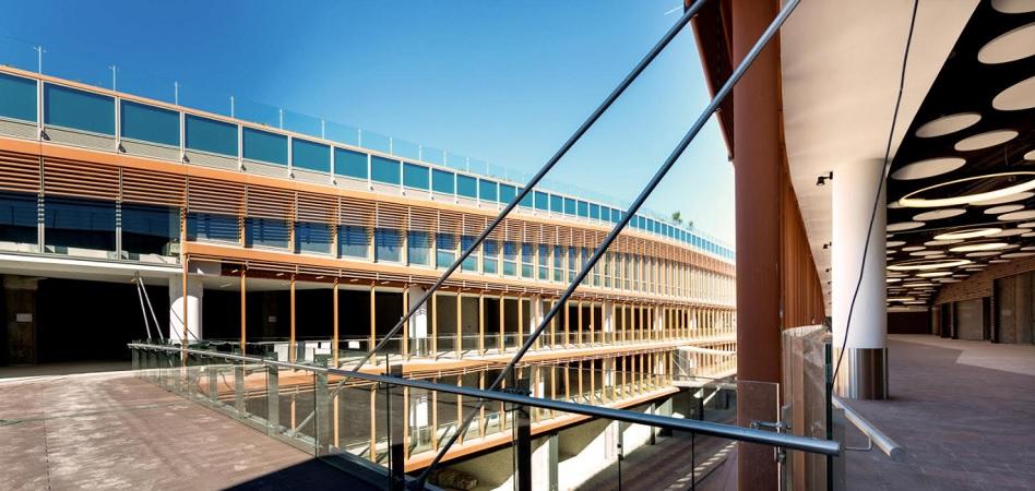 Caixabank concluye las obras del centro comercial Torre Sevilla tras invertir 20 millones