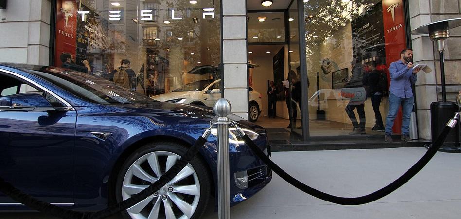 Se vende en Serrano: un 'family office' pone en el mercado la tienda de Tesla por 7 millones