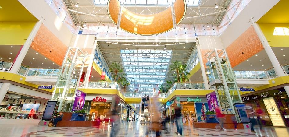 ECE se estrena en España: ultima la compra de tres centros comerciales a Sonae y CBRE GI por 450 millones