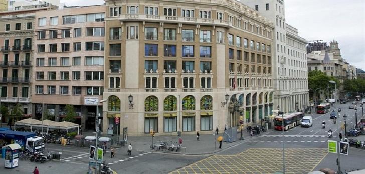 BMO cierra el alquiler a Huawei de su 'joya' en Plaza Cataluña