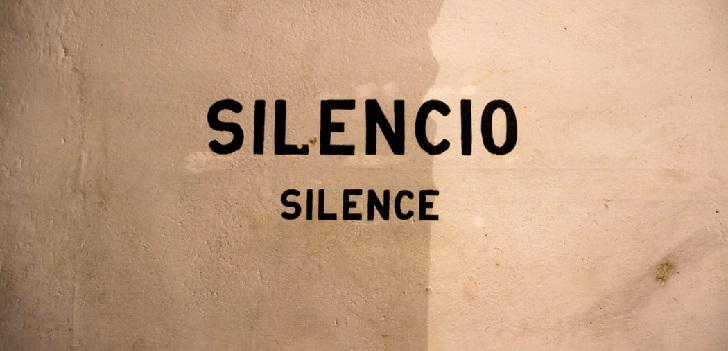 Silencio, por favor