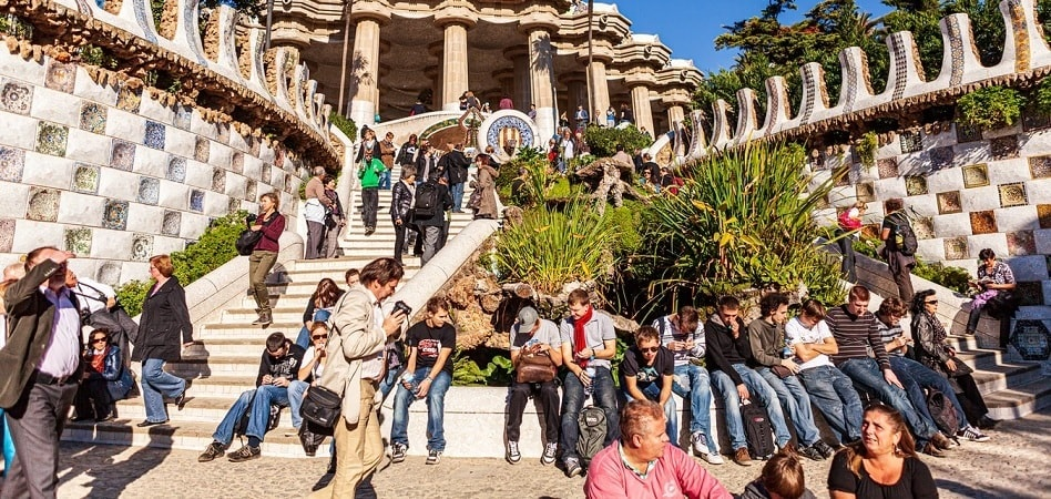 La fuente que la pandemia secó: retrato de los 25 millones de viajeros que España deja de recibir en agosto