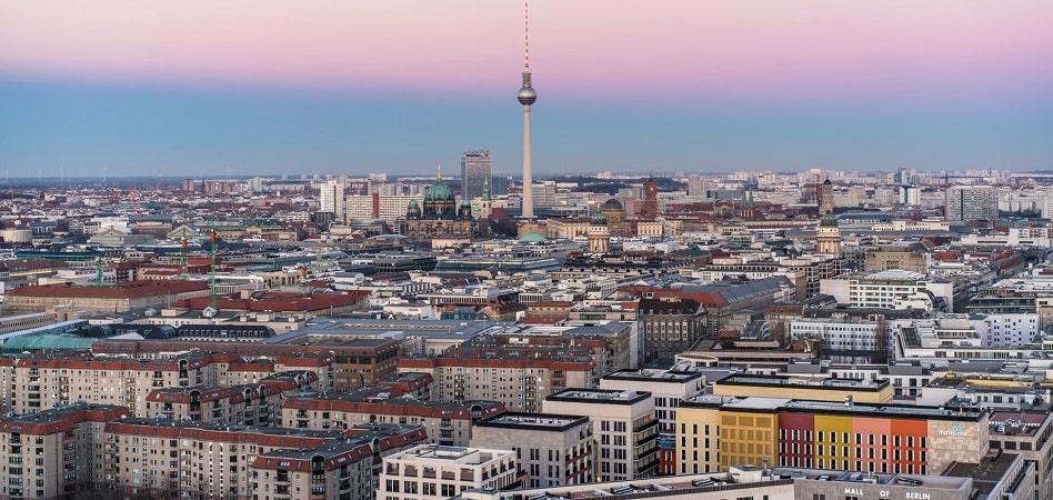 Treinta años en Berlín, catorce en Londres y para siempre en París: cómo se alquilan los locales en Europa