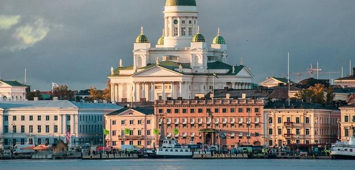 Helsinki se abre al mar ante la ola de renovación del Covid-19
