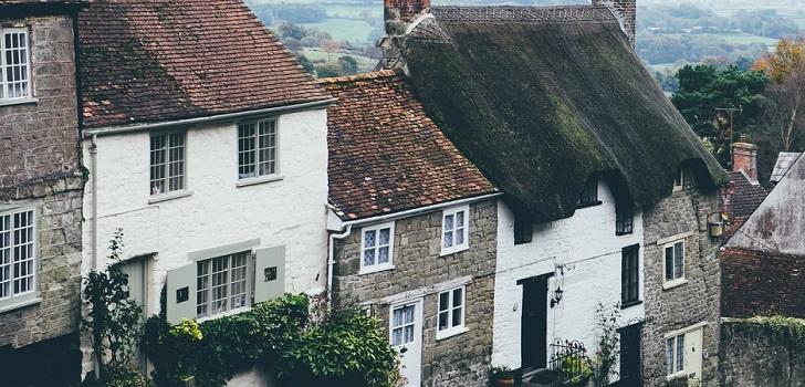 Los londinenses quieren una casa en las afueras: la demanda crece y los precios caen menos