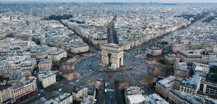 Francia extiende el toque de queda a otros 38 departamentos que suman 46 millones de personas