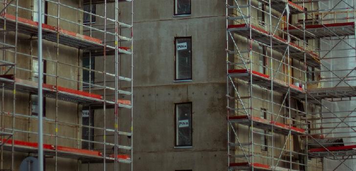 Apcespaña alerta del impacto en el 'real estate' si se paran las obras residenciales