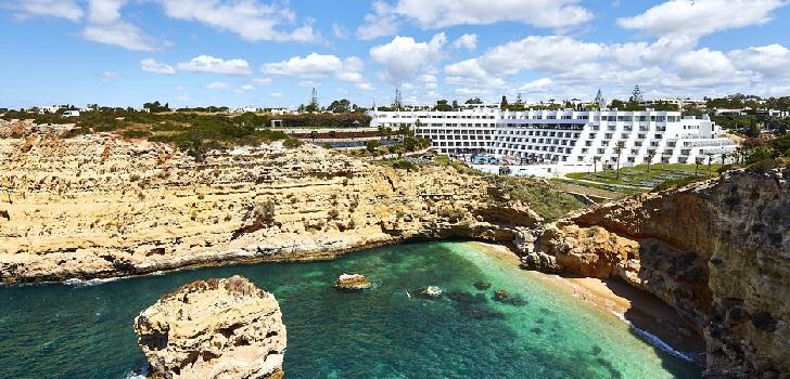 Azora se hace con dos hoteles vacacionales en Portugal por 148 millones