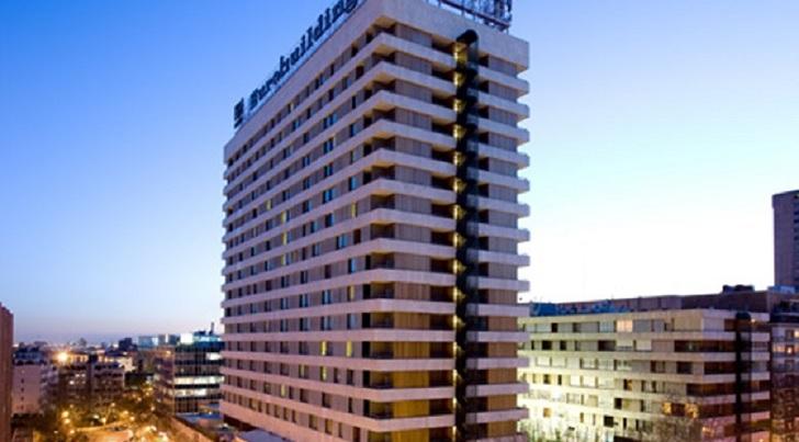 La cadena busca aumentar su liquidez a través de la venta del inmueble ubicado en Madrid, a la vez que sigue ligado al hotel como operadora.