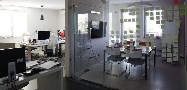 La 'nueva normalidad' en las oficinas: separación de 1,5 metros y reincoporación progresiva