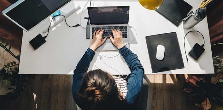 ¿En casa o en la oficina? El teletrabajo eleva la productividad un 5%