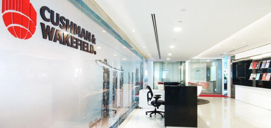 Cushman&Wakefield vuelve a beneficios en el primer semestre y cambia de consejero delegado