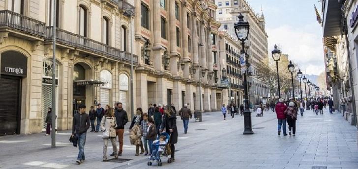 Inditex cierra hasta en la calle más cara de España: Uterqüe sale de Portal de l'Àngel