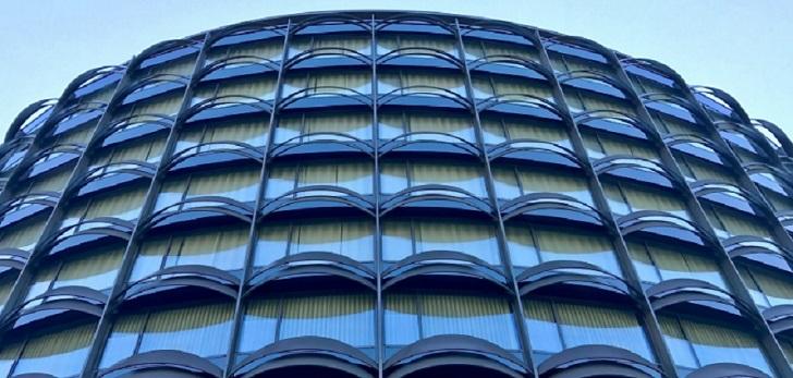 De moda a banca: Caixabank alquila los bajos comerciales de la antigua sede de Winterthur