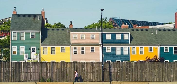 Las compraventas de viviendas caen en marzo mientras los precios continúan creciendo
